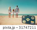 ファミリー 家族 ビーチの写真 31747211