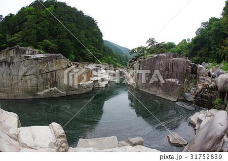 信州 木曽路の景勝 寝覚の床(超広角) 木曽川に侵食された奇岩がならぶ 浦島太郎伝説も残る 31752839