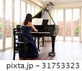 ピアニストの女性 31753323
