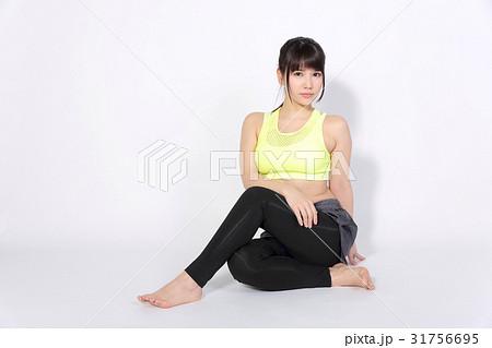 若い女性 フィットネスイメージ 31756695