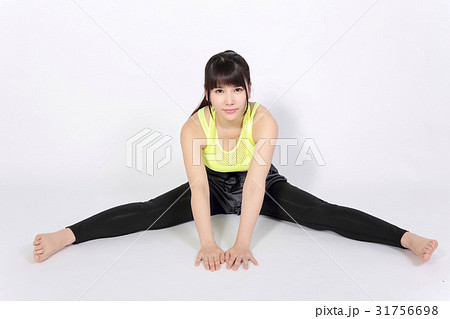 若い女性 フィットネスイメージ 31756698