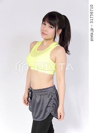 若い女性 フィットネスイメージ 31756710