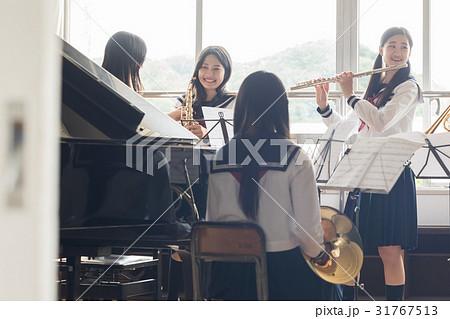 吹奏楽部の練習風景 31767513