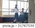 フルートの練習をする女子高生 31767530