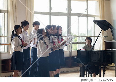 合唱の練習風景 31767545