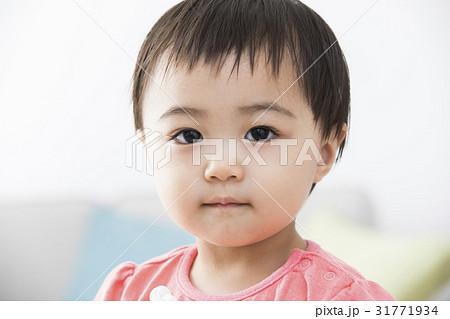 1歳の女の子 31771934