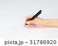 ボールペン 握る 手の写真 31786920