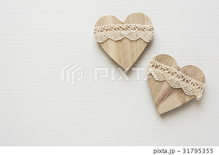Two wooden heartsの写真素材 [31795355] - PIXTA