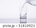 水 飲料水 注ぐの写真 31810021