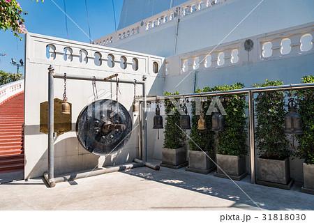 タイ・バンコクのワット・サケット(黄金の丘)の銅鑼 の写真素材 [31818030] - PIXTA