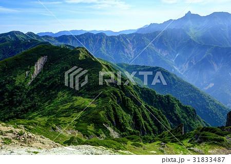 抜戸岳稜線から見る秩父平と槍ヶ岳 31833487