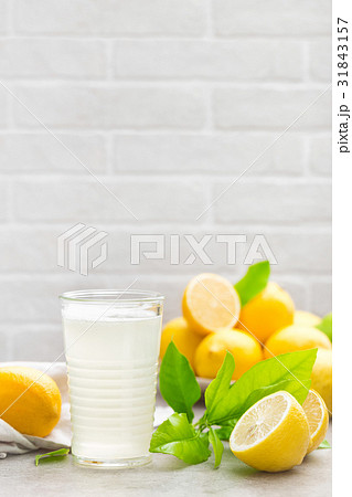 Lemonade. Drink with fresh lemons. Lemon cocktailの写真素材 [31843157] - PIXTA