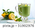 Spinach smoothie  with mint. 31902976