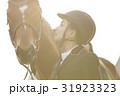 乗馬クラブ 馬と女性 31923323