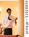 ビリヤード 人物 男性の写真 31928859
