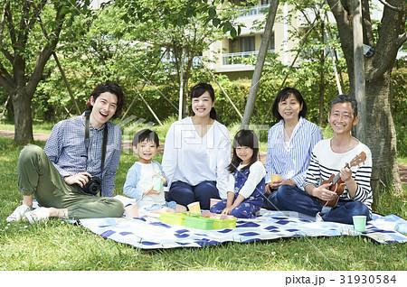 3世代家族 31930584