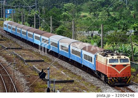 台湾鉄道 復興号 32004246