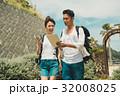 旅行 カップル タブレットの写真 32008025