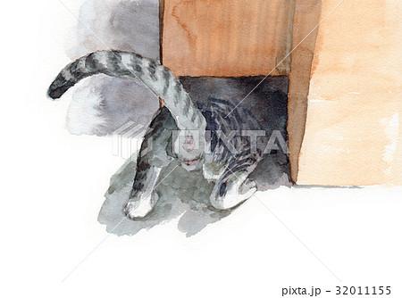 穴に入ろうとする子猫 32011155