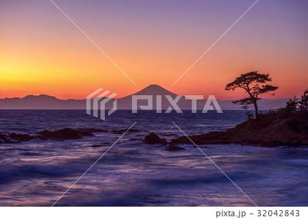 富士山の夕景 32042843