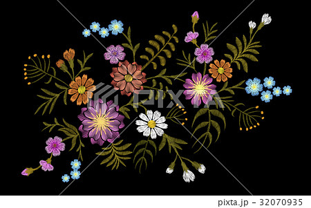 Pattern of flovers on a black background. 32070935