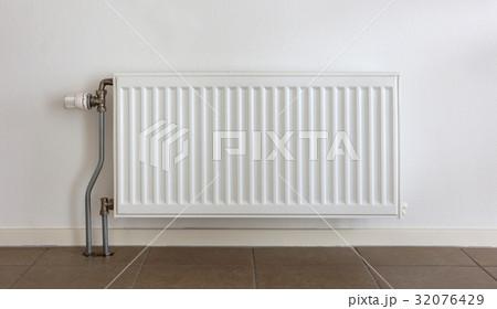 Heating radiator in a dutch homeの写真素材 [32076429] - PIXTA
