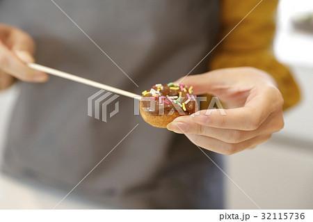 チョコフォンデュ お菓子作り 32115736