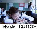 女子 学生 教室の写真 32155780
