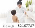 赤ちゃんとお母さん 32167787