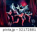 レトロ ダンサー パフォーマンスの写真 32172881