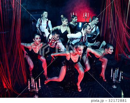 The studio shot of group of retro dancers 32172881