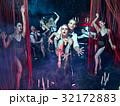 レトロ ダンサー パフォーマンスの写真 32172883