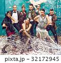 レトロ 人々 人物の写真 32172945