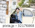 男性 ドライブ クラシックカーの写真 32176868