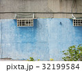 壁 かべ 窓 32199584