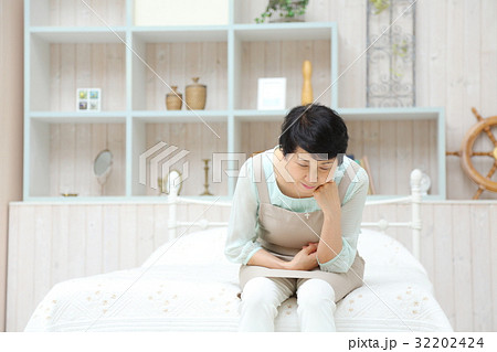 専業主婦 寝室・ベッドルーム 32202424