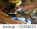 自然 紅葉 滝の写真 32208225
