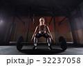 スポーツジム ボディービルダー フィットネスの写真 32237058
