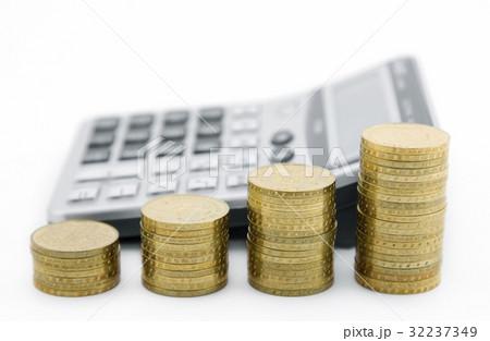 Budget calculation の写真素材 [32237349] - PIXTA