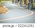 自転車 サイクリスト 小道の写真 32241291