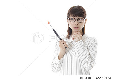知的な女性イメージ 32271478