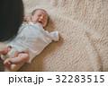 赤ちゃん 新生児 泣くの写真 32283515