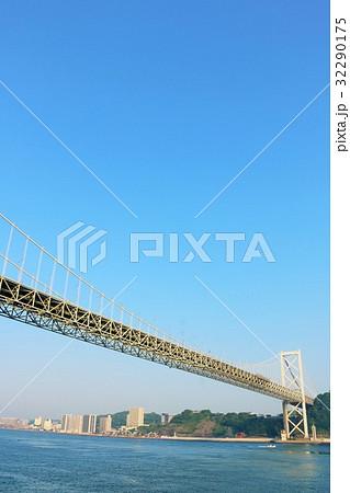 福岡県 関門海峡と関門橋 32290175