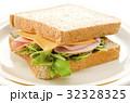 胚芽パンのサンドイッチ 32328325