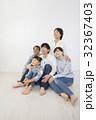 人物 子供 家族の写真 32367403