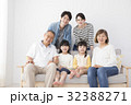 人物 家族 子供の写真 32388271