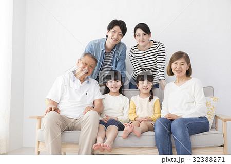 三世代記念写真イメージ 32388271