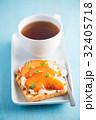 ブルスケッタ チーズ くだものの写真 32405718