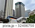 天王洲アイル駅を出発する東京モノレール 32406750