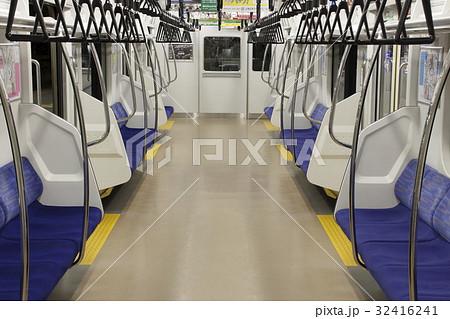 京浜東北線E233系電車(車内) 32416241